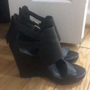 Express Black strappy wedges